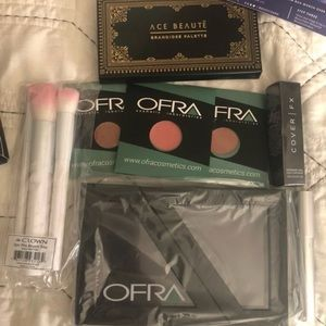 Ofra shadow palette ace beauty